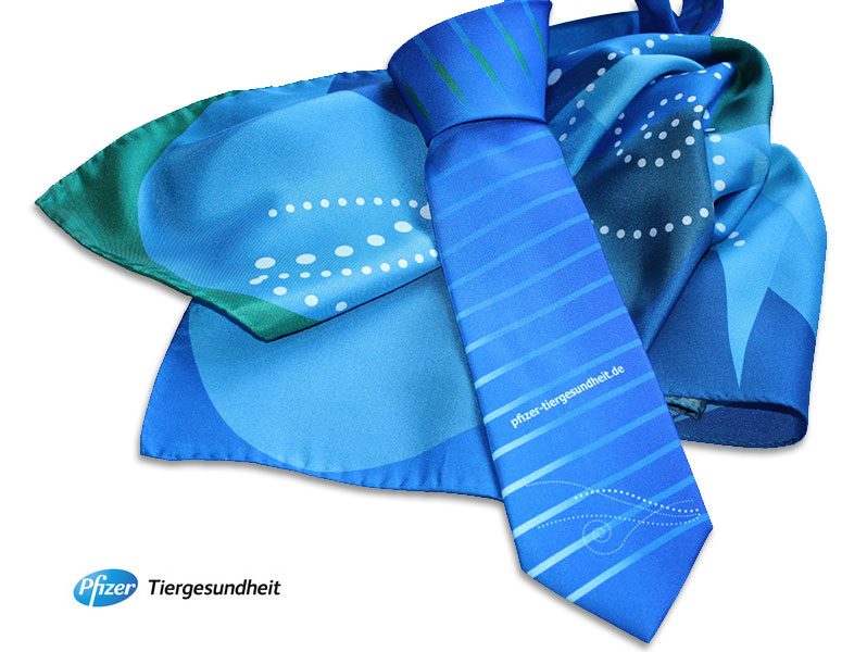 Digital bedruckte Krawatten und Tücher Pfizer