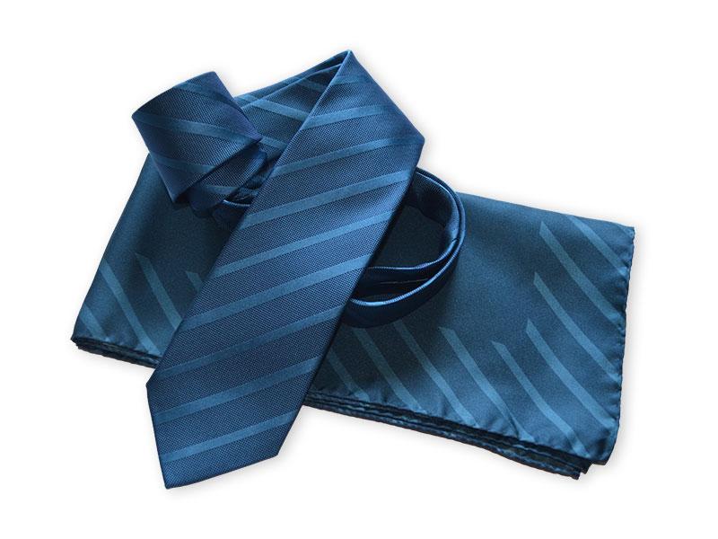 Messekrawatten mit passenden Halstüchern in CI-Farben für Domino Deutschland - Kollektions-Design