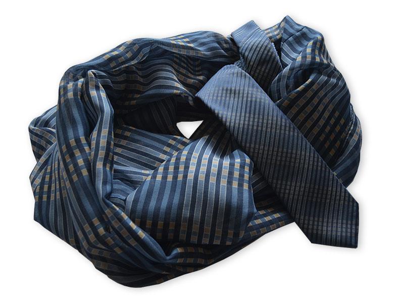 Krawatten und passende Loop-Schals für die VR-Bank