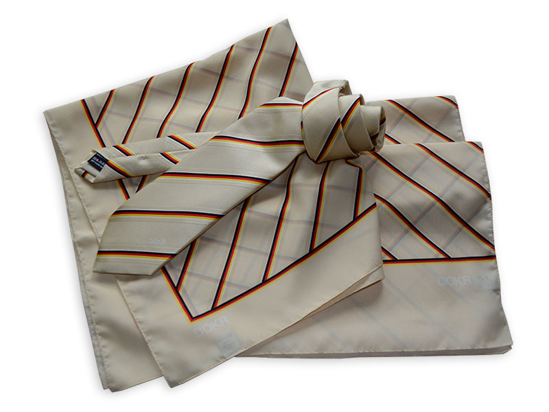 Teamkrawatten, Schals und Tücher für die Championats-Reiter