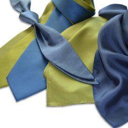 Lagerware Krawatten und Tücher in Firmenfarben