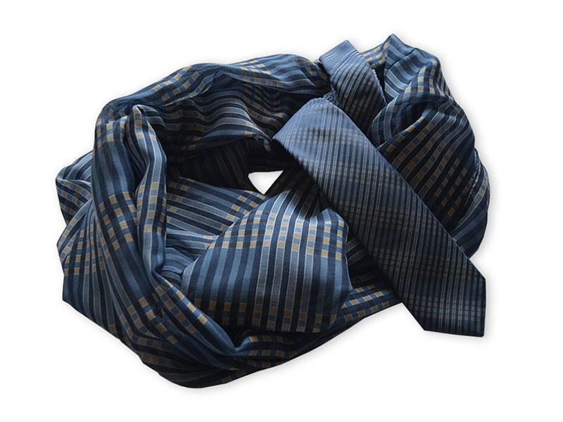 Jacquardgewobene Seidenkrawatte mit passendem Loop-Schal oder Tuch