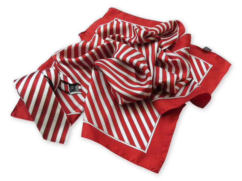 Krawatten und Tücher – klassisches Design in Firmenfarben