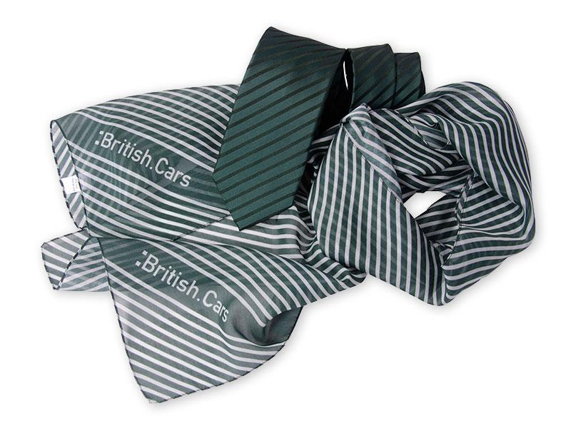 Krawatten mit passenden Schals im Corporate Design und in Firmenfarben