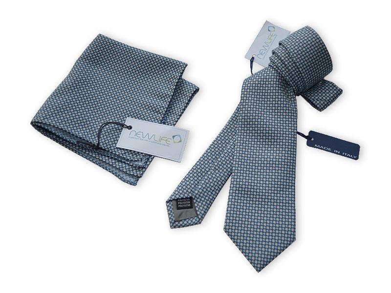 Krawatte im Retro-Design mit passendem Einstecktuch, gewoben in NEWLIFE™