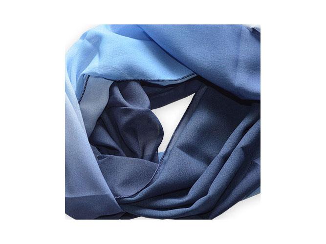 Polyester-Chiffon ist geeignet für große Schals und Loop-Schals