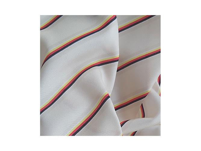 Polyester-Microfaser Qualität für Tücher und Schals.