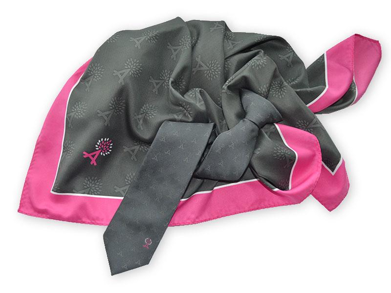 Clip-Krawatten und Halstücher mit Logo für das Hotelpersonal