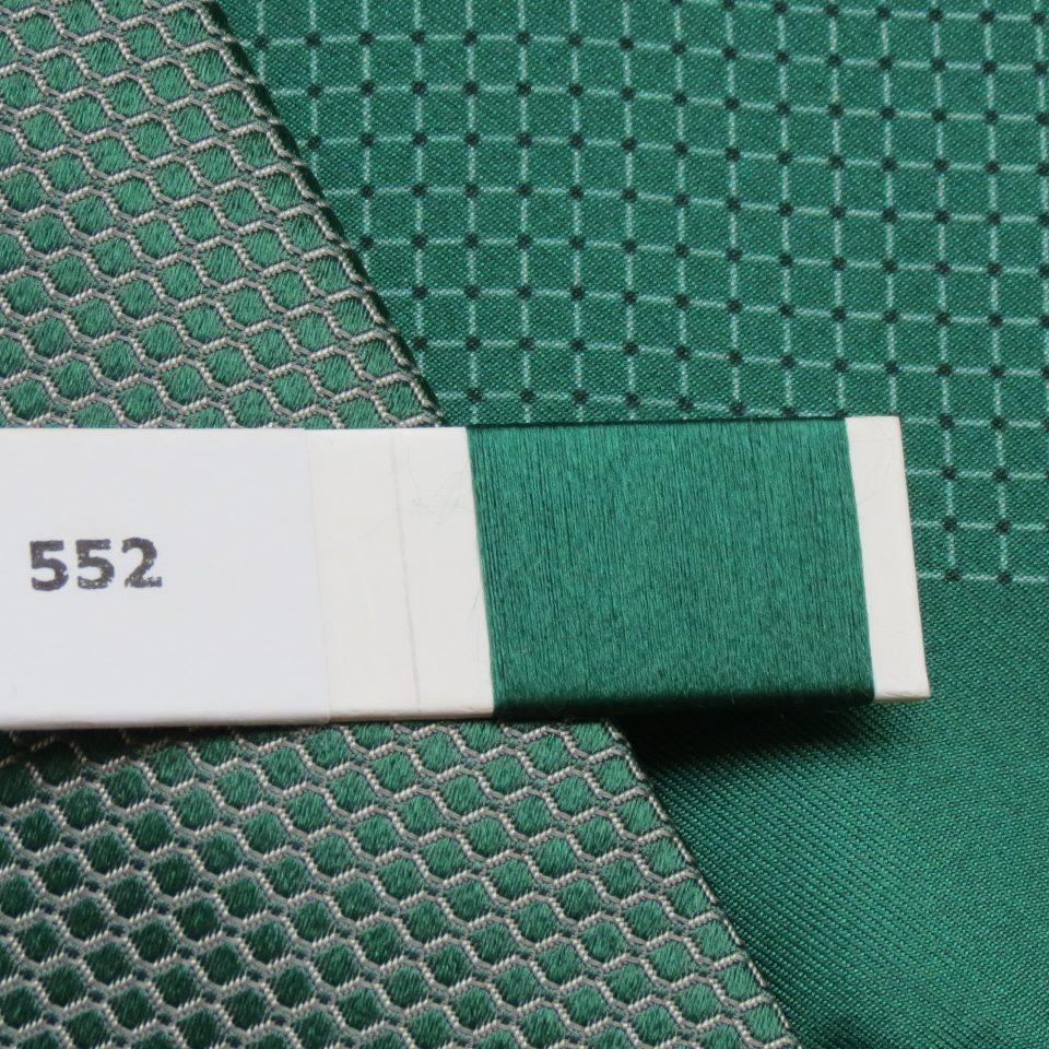 Krawatten, Tücher und Einstecktücher in Firmenfarbe